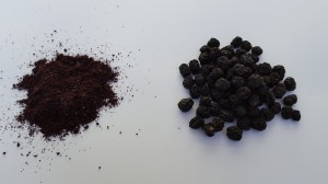 organic-dried-aronia-powder-whole-berries